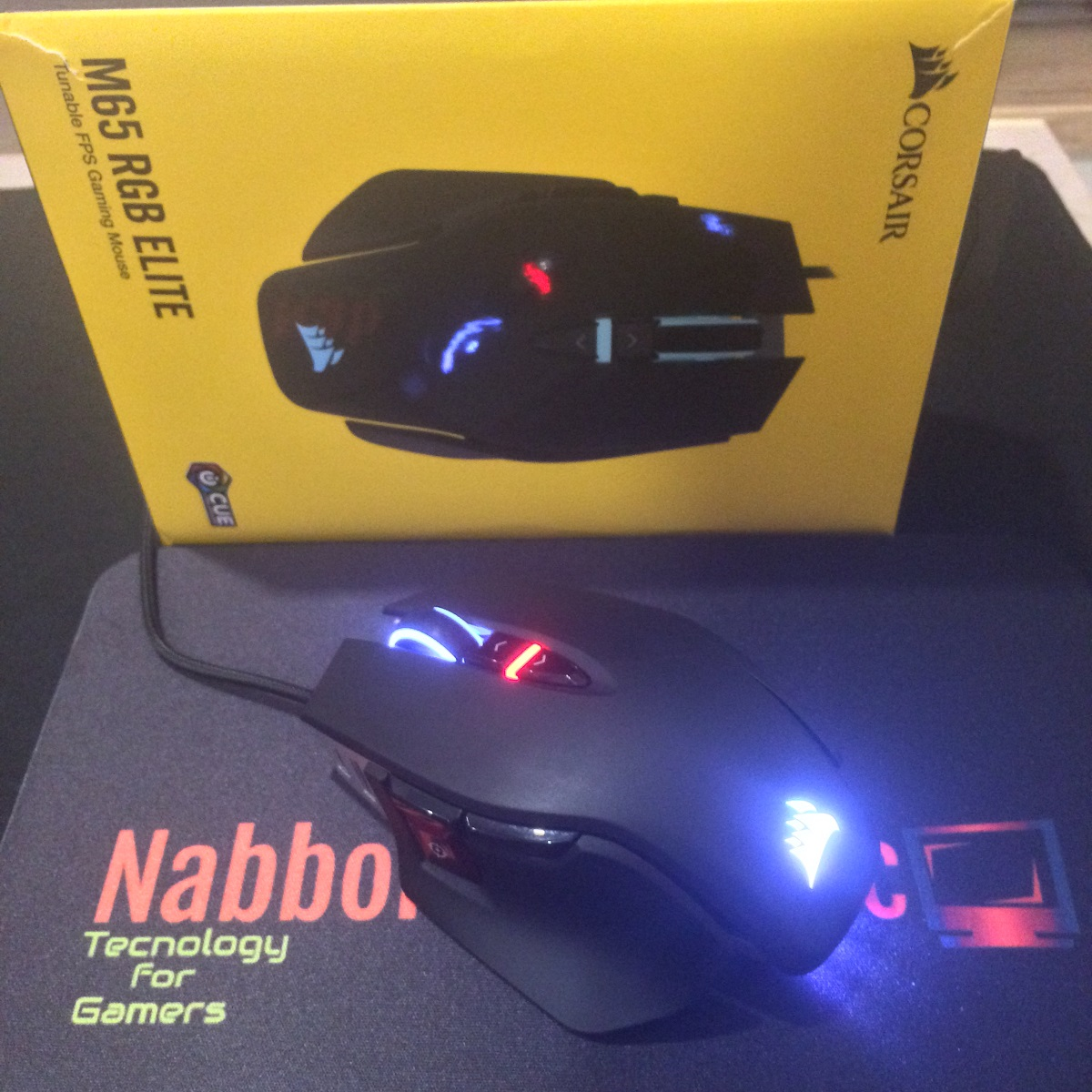 Corsair M65 RGB Elite Mouse Gaming uno dei migliori mouse gaming per FPS Claw Grip